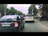 Нападение на мотоциклиста в Перми 8 июля. Видео