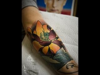 Татуировка в стиле неотрад: Лотос (neotrad tattoo lotus) | Дом Элит Тату (Tattoo Studio Moscow)