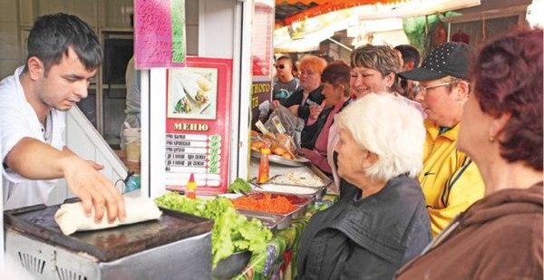 В Симферополе выявлены три нестационарных торговых объекта