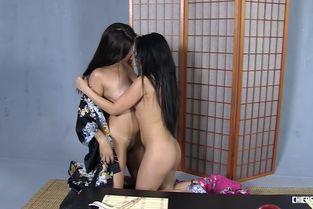Miyuki Son And Lady Mae ChicasLoca