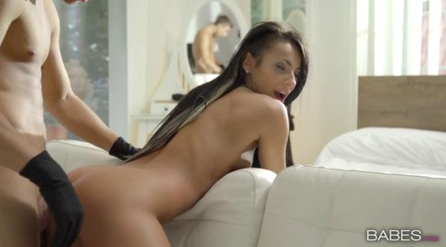 Babes – Lexi Dona – On The Sneak