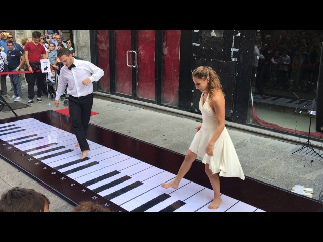 4 el yerine 4 ayak piyano 4 foot instead of 4 hand piano