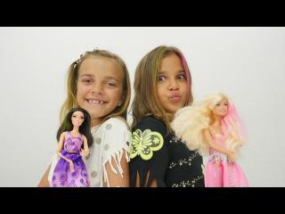 Parti hazırlığı oyunu. Sema ve Ayça parti kıyafetleri hazırlıyorlar. Barbie oyunları
