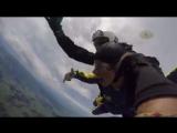 Каролин Хорхлер прыгает с парашютом (9 мая 2017)