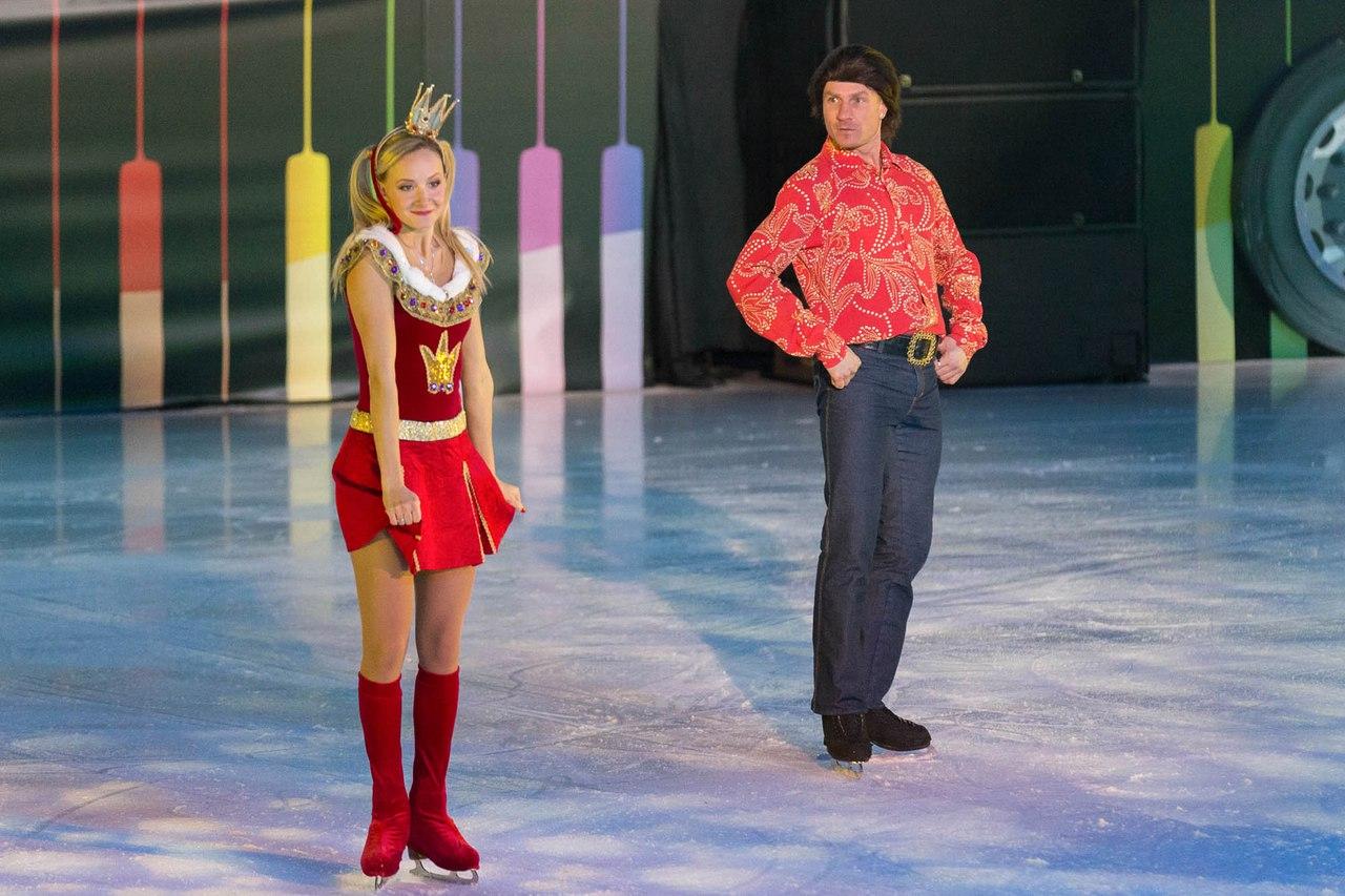Ледовые шоу Ильи Авербуха *Мама*, *Малыш и Карлсон*, *Рождественские встречи*, а также различные новогодние шоу на льду - Страница 6 ArAdz-AhJOQ