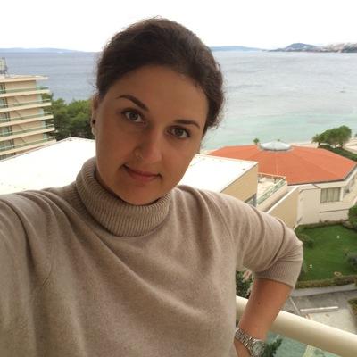 Elena Zandi