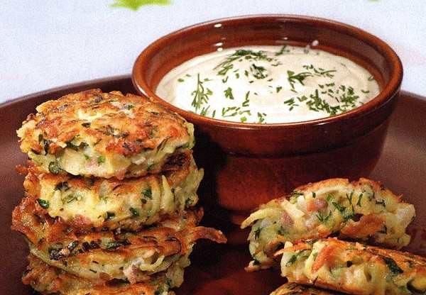 Картофельные оладьи с ветчиной и сыром Ингредиенты: - 700