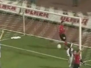 2001 - 2002 Sezonu - Beşiktaş-Galatasaray dakika 10 gol Bayram Bektaş