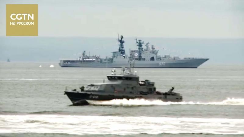 Китайский эсминец «Хэфэй» и фрегат «Юньчэн» приняли участие в праздновании Дня ВМФ России