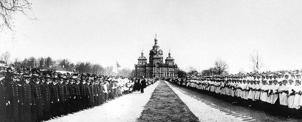 Посещение Императором Николаем II поселка Бежица. Брянский