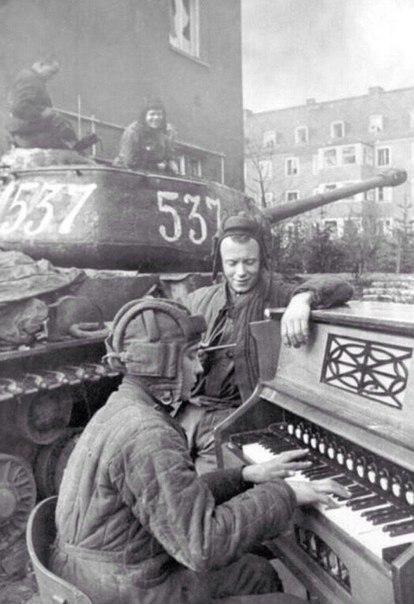 История одной фотографии: Евровидение 1945 год ,