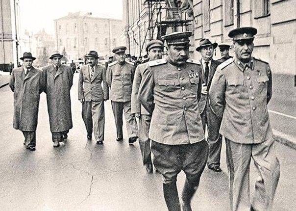 Как Сталин пытался остановить Гражданскую войну