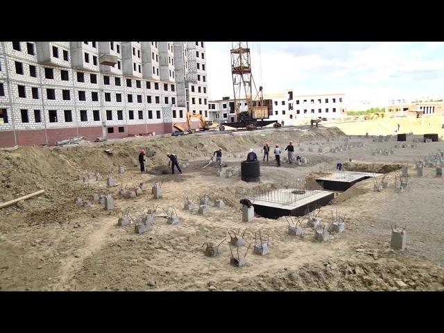 Строительство больницы на 1100 коек уже идёт по плану, строители наверстали отста ...
