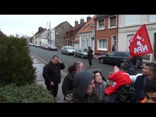 Франция. Мигранты в Кале начали громить дома местных жителей.