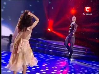 Танцуют Т.Денисова и В.Яма. - Концерт ко Дню Победы.2010г