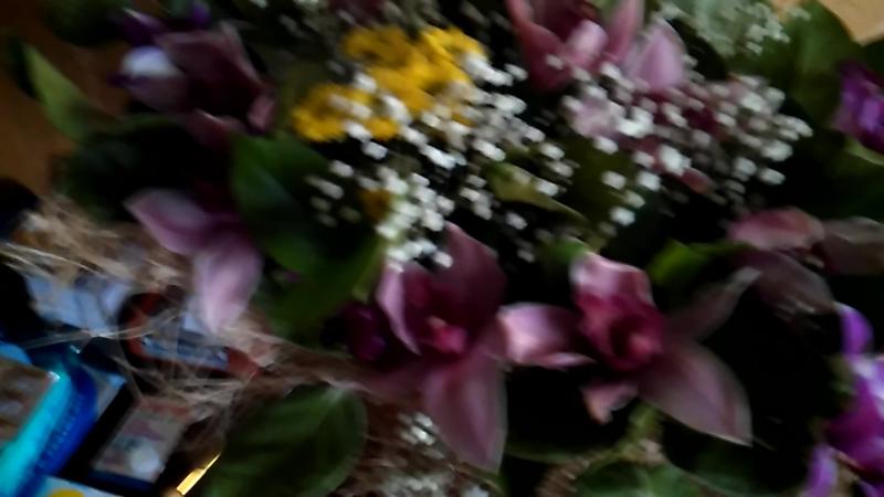Цветочки от второй половинки на день рождения 🌹🌹🌹