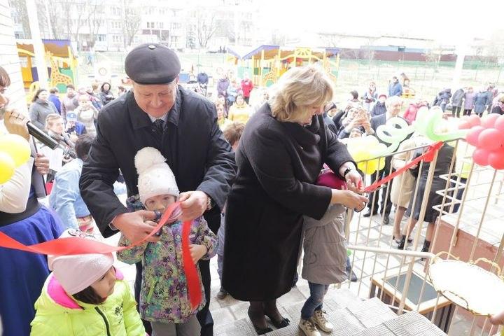Детский сад на 220 мест с бассейном открыли в посёлке Аничково
