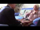 20 июля Путин приехал домой к правозащитнице Алексеевой, чтобы поздравить ее с 90-летием. Алексеева поцеловала руку Путина