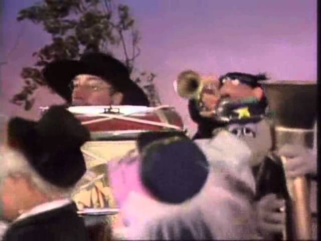 Muppets - Peter Sellers - Cigarettes, and Whiskey, and Wild, Wild Women