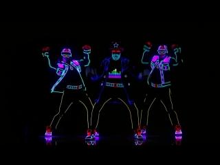 Эти парни просто взорвали американский танцпол!