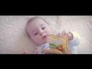 Семейный фильм про взросление ребенка - Первый год жизни. Семейный видеограф Новосибирск. Красивая встреча из роддома