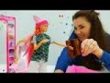 Смотреть ютуб игры БАРБИ девочки играют в куклы. Валя и Барби собирают грибы в л...
