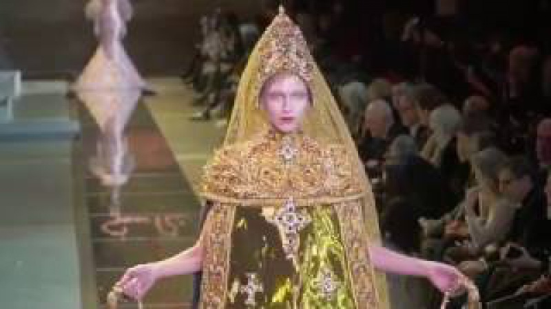 GUO PEI Couture Show SS17 Paris