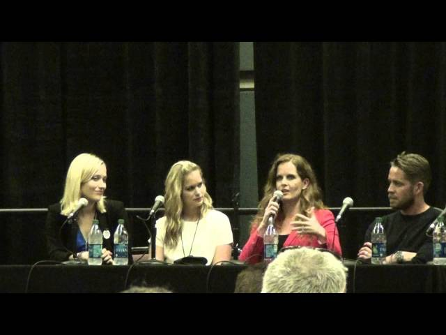 AC Boardwalk Con 2015 Once Upon A Time Panel Rebecca Mader, Sean Maguire, Elizabeth Lail, Georgina