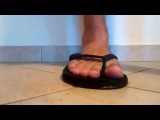 Male Feet Biscuit Crush (Flips&Bare)