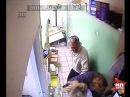 Ограбил аптеку и избил двух девушек
