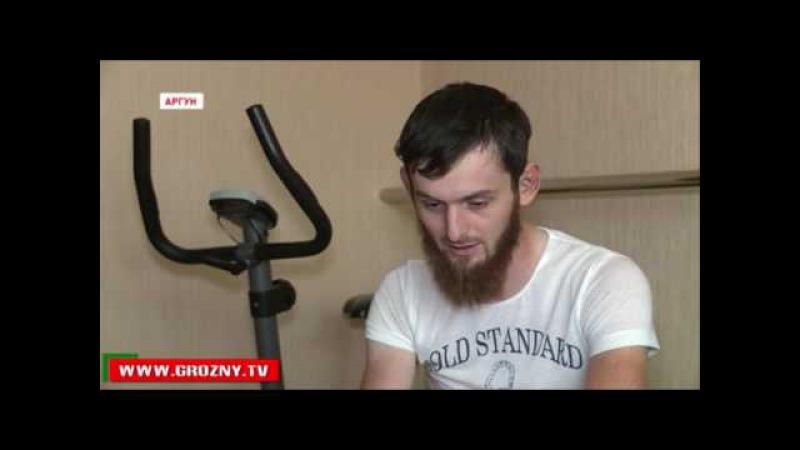 Новости • Рамзан Кадыров подарил жителю Аргуна, пострадавшему в ДТП, автомобиль и новый дом