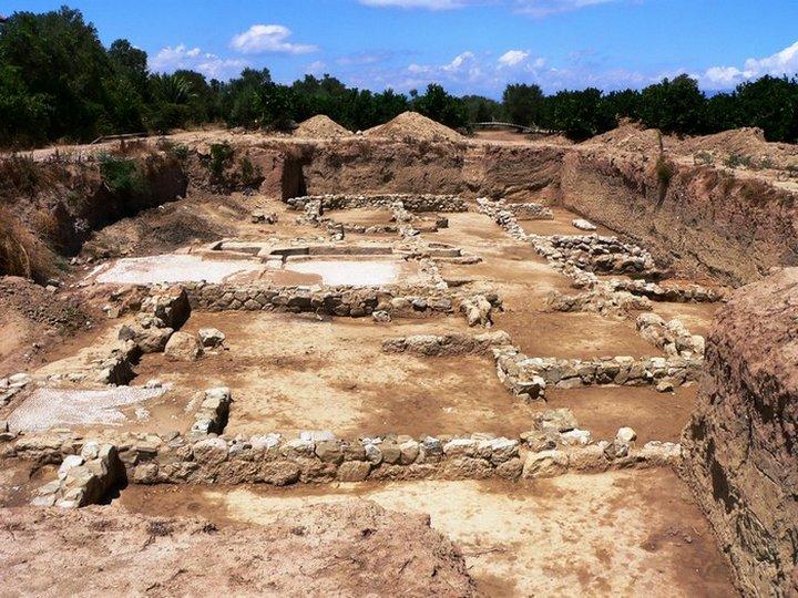 Разрушенный город Гелика
