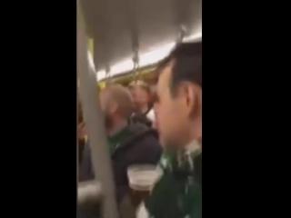 Ирландские болельщики и «Юрген Клопп» в австрийском метро