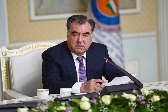 Эмомали Рахмон поставил перед правящей партией Таджикистана новые задачи