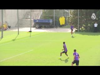 Роналду и Бензема вернулись к тренировкам в общей группе