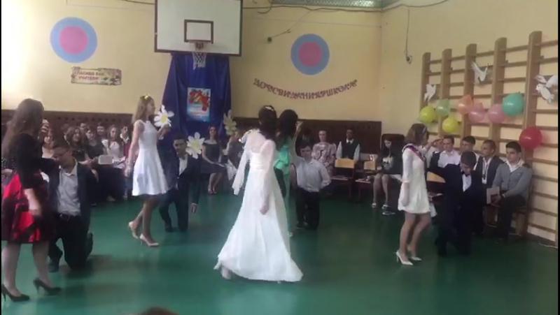Выпускной у внучки Анечки