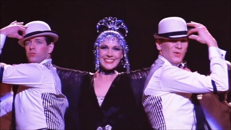 Julie Andrews LE JAZZ HOT (1982)