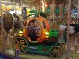 Карусель и ВЗРЫВ ФРУКТОВ в Фанки Таун Indoor Playground Family Fun for Kids Indoor Play Area