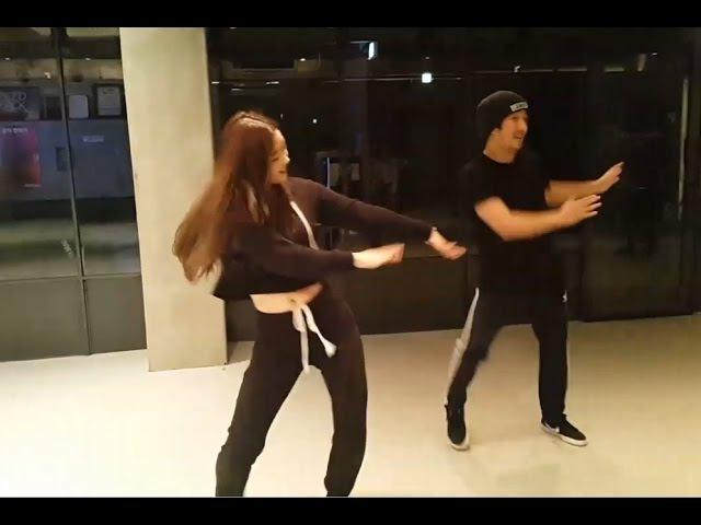 다이아 DIAs Eunjin dances to BLACKPINKs Playing with Fire