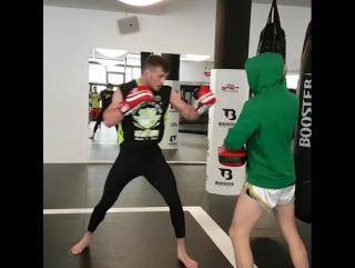 Отработка ударной техники от экс-чемпиона М-1 Штефана Пютца