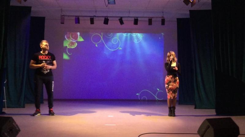 Михаил Лёвкин и Тори во время репетиции программы
