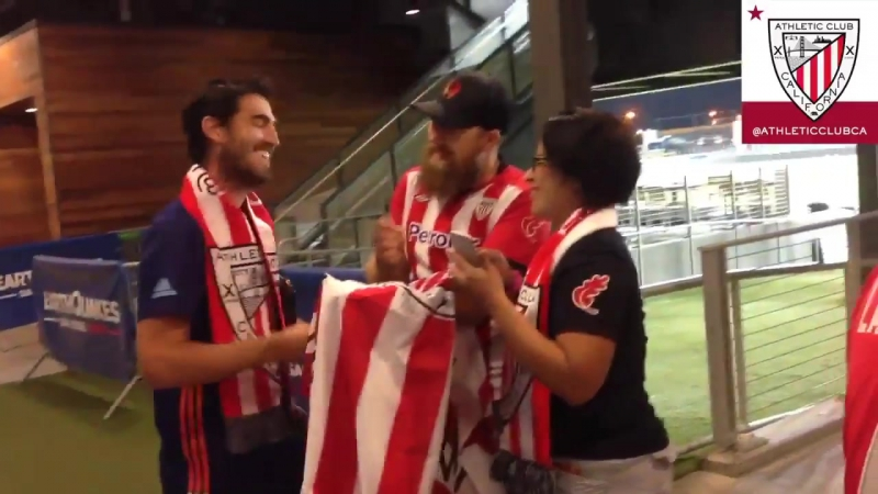 Andoni Iraola meets our Peña Athletic Club California socios!