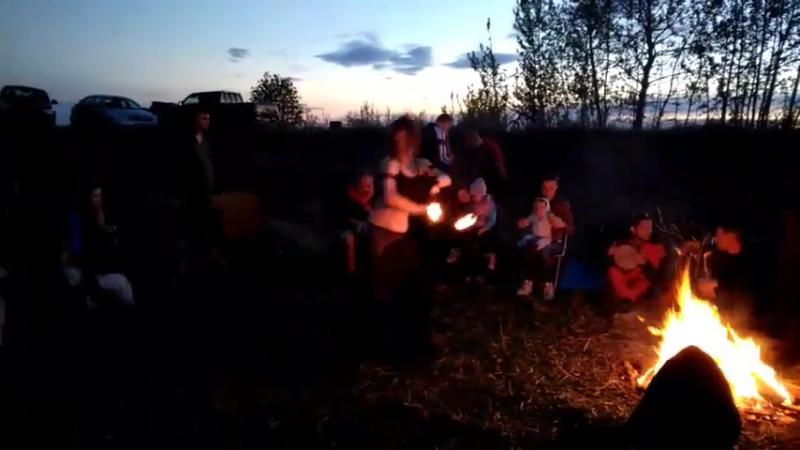 Барабаны на закате Tribal Dance Family Lin palm torch 2