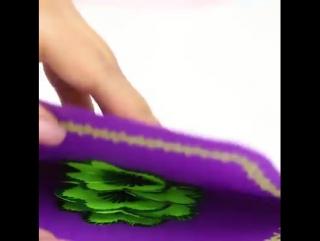 Восхитительная поп-ап открытка с 3D-цветами.
