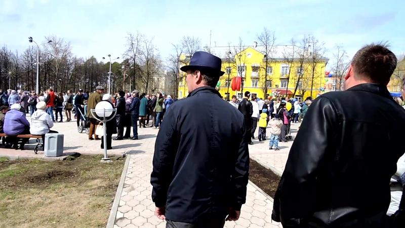 9 мая 2017 г. Краснокамск. Площадь перед дворцом Гознака.