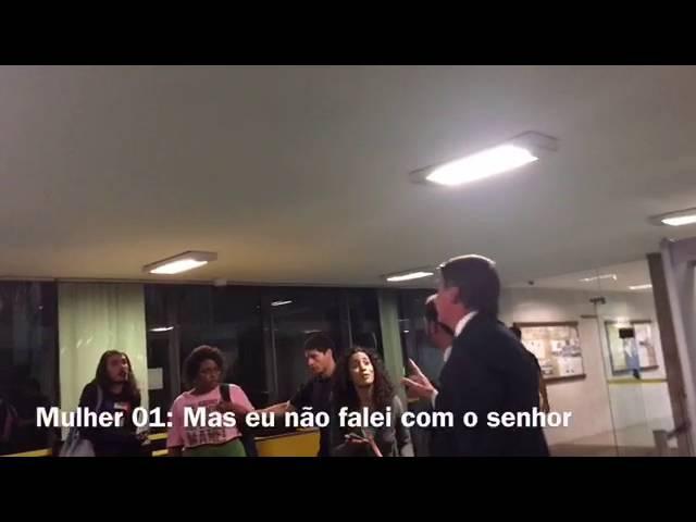 01/AGO/2016. Jair Bolsonaro é xingado na Câmara e faz B.O