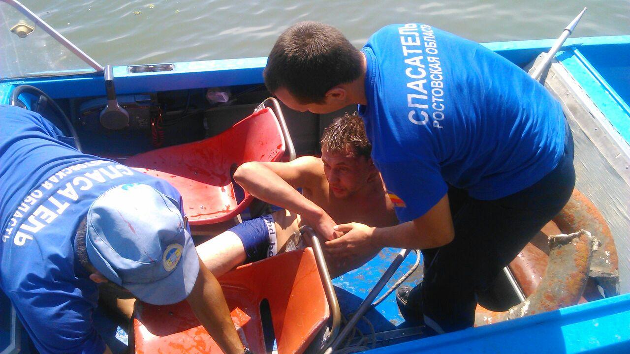 Донские спасатели спасли тонущего мужчину