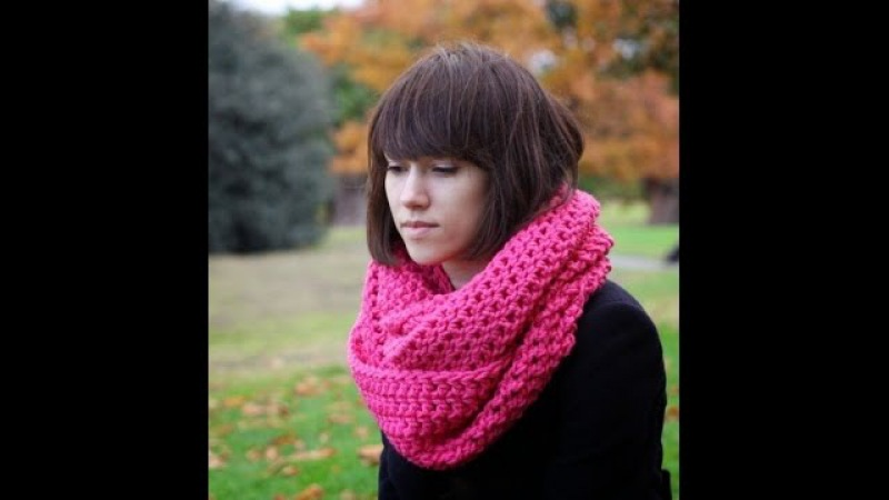 Вяжем шарф снуд крючком.