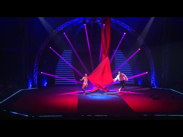 GOLDEN TRICK OF KOBZOV 2015 Scarlet Sails tissu and monocycle