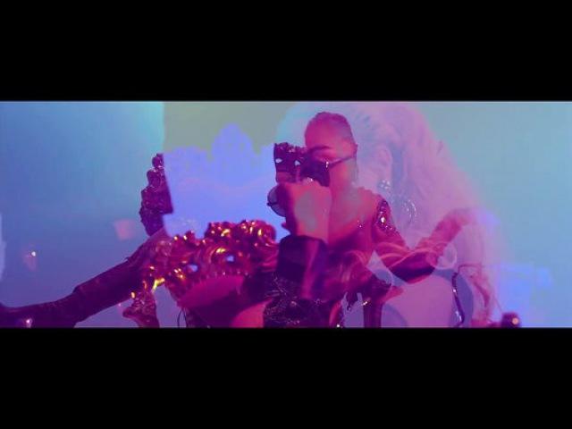 Karol G Bad Bunny - Ahora Me Llama - Film Dailymotion